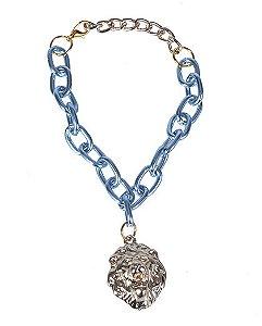 Pulseira azul com pingente dourado stance
