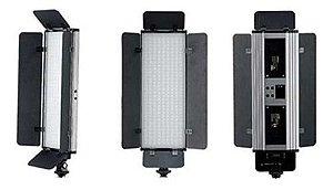 Iluminador Led Greika Pt30b Pro Ii Para Câmeras E Filmadoras
