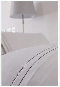 Capa De Edredom Duvet Queen Bordado By The Bed 300 Fios 100% Algodão 3 Peças - W Bridge