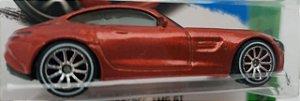 1:64 2015 MERCEDES AMG GT VERMELHO - COM RODAS DE BORRACHA CUSTOMIZADAS