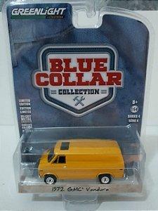 Miniatura Van GMC Vandura 1972 Amarelo - Blue Collar - Escala 1/64
