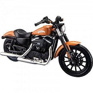 Miniatura Moto Harley Davidson Sportster Iron 883 2014 - Escala 1/18 - Maisto