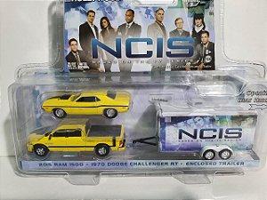 Miniatura Série NCIS - Escala 1/64 20cm - Ford Ram + Dodge Challenger + Trailer