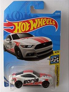 Miniatura Hot Wheels Ford Mustang GT 2015 HW Speed Graphics