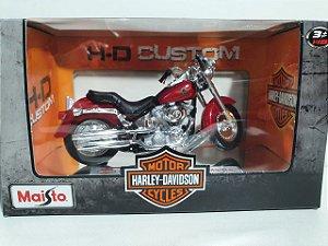 Miniatura Moto Harley Davidson 2004 FLSTFI Fat Boy - Escala 1/18 - Maisto