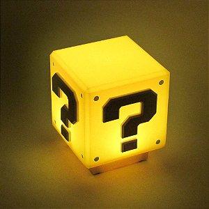 Luminária Cubo misterioso - Super Mario