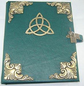 Livro das Sombras com Triquetra cod.250