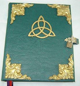 Livro das Sombras com Triquetra cod.281