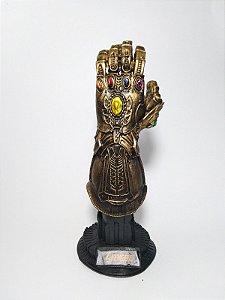 Estatueta Manopla Do Infinito Thanos Vingadores Guerra Infinita (Avengers)