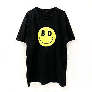 Camiseta Sorriso Falso
