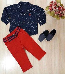 Conjunto Camisa ML Marinho com Calça Sarja Vermelha e Cinto Marinho e Vermelho