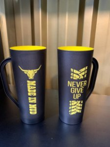 Caneca Slim Made in Mud Never Give Up Amarela