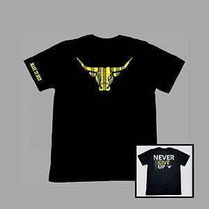 Camiseta Made in Mud Preta / Boi Amarelo