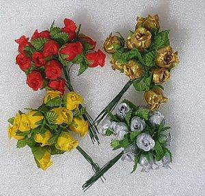 Bouquet de Botão de Rosa em tecido-  Tam. aproximado: 20x16mm (cada botão) Cores: Prata, Dourado, vermelho e amarelo - *maço com 12 botões de rosa*