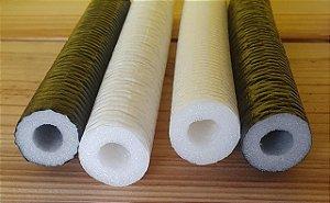 Tubo Isolante -  Espuma roliça - Barra com 30 cm de comprimento (37mm diâmetro) - Cores: Preto e Branco - *Venda por unidade*