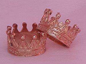 Coroa pingente de metal, 2,5 x 2,5 cm (M), dourada - Venda por Unidade