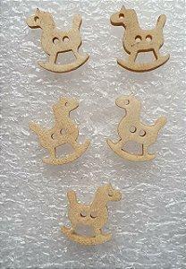 Botão de Madeira Cavalinho -Tamanho: 20mm x 15 *Pacote com 10 botões*