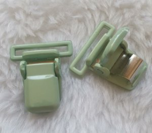 Presilha Plástica com metal (tipo jacaré) - Verde Água- 37x32mm