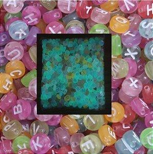 Entremeio Passante redondo Fluorescente colorido com letras brancas, 7mm - Pacote com 90 gramas
