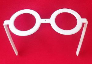 Óculos de Visconde - composição: plástico -  cor BRANCO - Medidas na descrição.