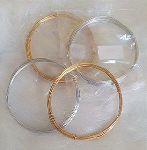 Arame Liso Aluminio para artesanato - Cores: Dourado ou prateado -  0,7mm - *Rolo com 5 metros*