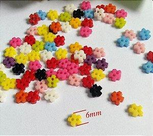 Micro Botão Flor quadrada Colorida -Plastico - Tamanho 6mm - (Pacote com 50 unidades)
