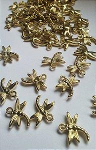 Pingente LIBÉLULA Dourada em ABS - 18mm x 17mm -  *embalagem com 10 unidades*
