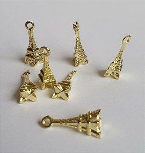 Pingente de metal dourado Torre Eiffel   - 19mm d altura - Embalagem com 3 unidades