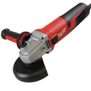ESMERILHADEIRA 5'' 125MM 1.550W 220v MILWAUKEE 611759