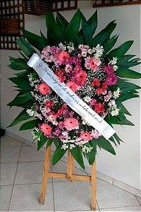 Coroa Fúnebre Gérberas com Margaridas mistas.