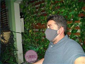 Máscara em tricoline Preto e poazinho P