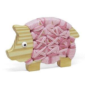Alinhavo Porquinha Lola - Brinquedo Educativo de Madeira