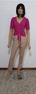 Blusa com botões e amarração na cintura