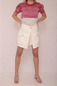 Shorts saia curto tecido plano com botões dourados e bolso frente