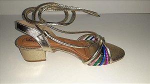 Sandália dourada salto bloco com amarração tornozelo