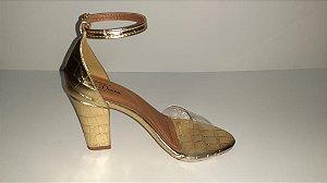 Sandália luxo dourada vinil