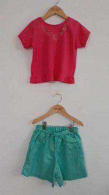Conjunto infantil shorts com lurex e blusa com termocolante