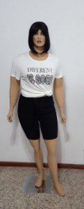 T-shirt manga curta malha com pedraria