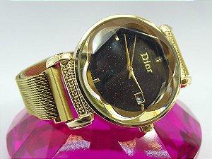 Feminino Dior Dourado com Fundo Preto