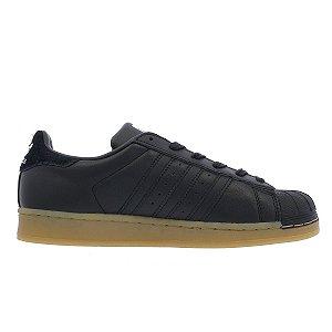 Tenis Adidas Superstar Preto com Sola Gum ee8591a29577c
