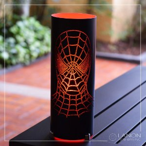 Luminária de mesa decorativa - Homem Aranha