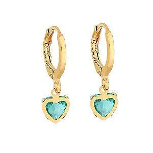 Brinco argolinha com coração verde folheado em ouro