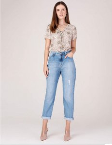 CALÇA JEANS MOM LIGHT BLUE