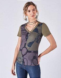 T-shirt malha manga curta mix tecido estampa