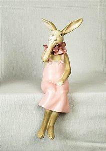 Coelha de resina sentada - 30cm