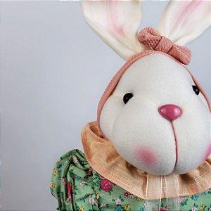 Coelha de pano com vestido verde florido 55cm