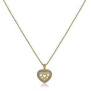 Colar banhado a ouro com pingente de coração cravejado com strass em volta