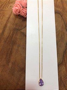 Colar banhado a ouro com pingente de cristal lilás