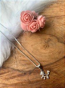Colar veneziana 45 cm com pingente de gatinho banhado a ródio branco