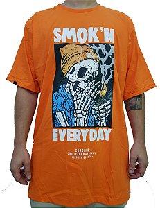Camiseta Chronic Big Plus Size Smok'n Every Day